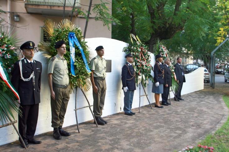 Corone d'alloro per gli agenti vittime delle Brigate Rosse nel 1982 - aSalerno.it