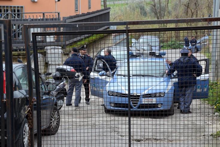 Pagani, dipendenti del Consorzio di bacino chiudono i cancelli - aSalerno.it