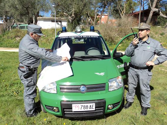 Sala Consilina, minacciano gli agenti della forestale con una motosega - aSalerno.it