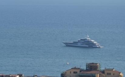 """Al largo del molo Masuccio spunta il """"Royal Romance"""" - aSalerno.it"""