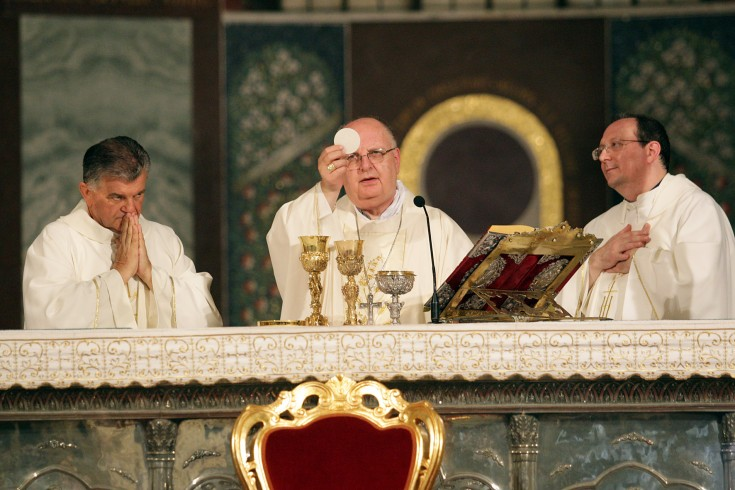 Nel Duomo di Salerno torna la messa interamente celebrata in latino - aSalerno.it