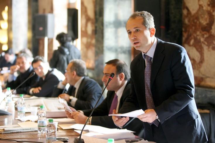 """Celano al sindaco: """"Dirigenti senza titoli"""" - aSalerno.it"""