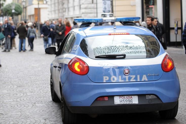 Bloccati due russi che rubavano vestiti in un negozio del Corso - aSalerno.it