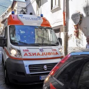 OmicidioPagani02 ambulanza croce bianca