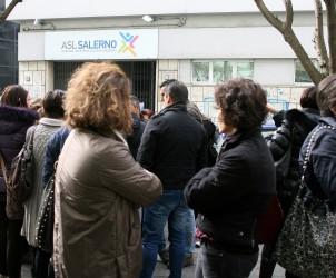 19 02 2014 Salerno Proteste davanti alla sede del ASL in Via Nizza