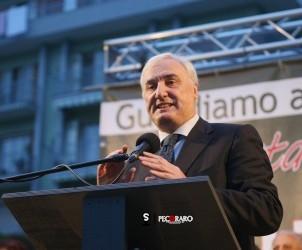 10 05 2014 Baronissi Comizio Elettorale Gianfranco Valiante con Vincenzo De Luca.