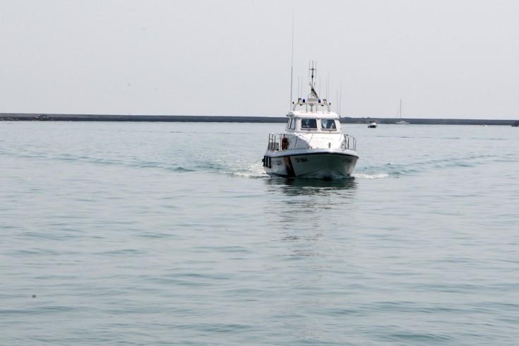 Barca a vela si capovolge a largo di Castellabate, salvati due uomini - aSalerno.it