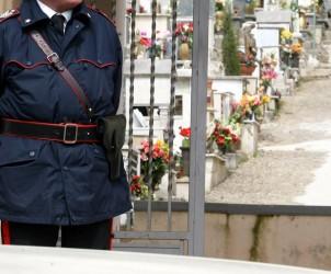 SAL - 21 03 2011 Cimitero di capaccio rilievi dei RIS presso il cimitero di capaccio in mertio alla profanazione dlle tombe della famiglia del sindaco Pasquale Marino (Foto Tanopress)