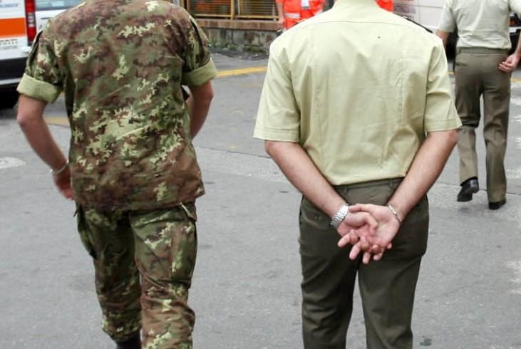 Salerno, caporal maggiore denuncia il suo ex colonnello per molestie - aSalerno.it