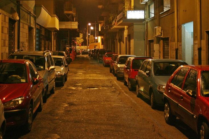 Via Giovanni Margotta, si spengono i lampioni - aSalerno.it