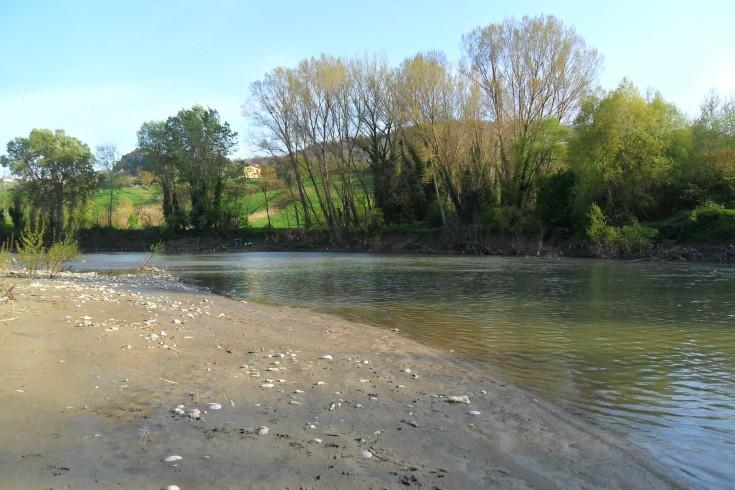 Scoperto uno scarico abusivo in un torrente di Padula - aSalerno.it