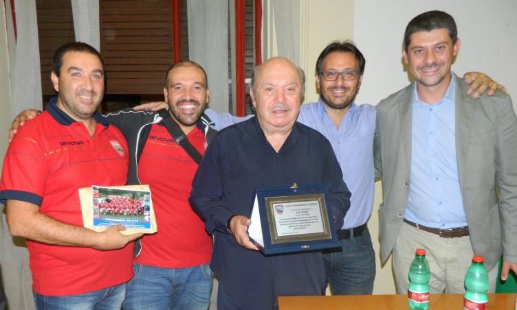 Seconda Categoria, la Longobarda premia Lino Banfi - aSalerno.it