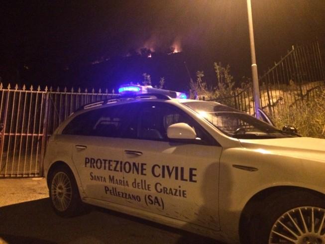 Roghi nella Valle dell'Irno, interventi della Protezione Civile - aSalerno.it
