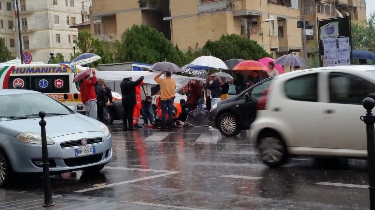 Eboli, anziana investita mentre attraversava la strada - aSalerno.it