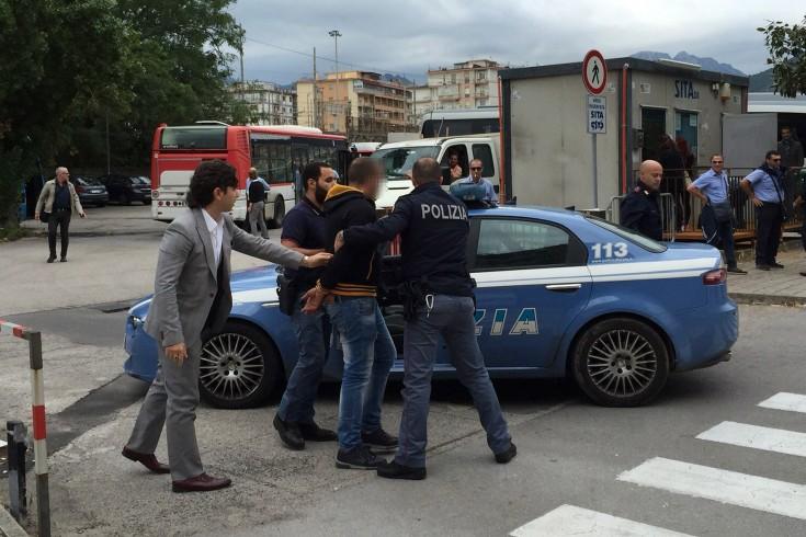 Tenta di rubare un'auto a Canalone con un cavatappi, fermato 34enne - aSalerno.it