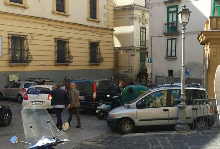 """Turisti tedeschi """"intrappolati"""" nel centro storico - aSalerno.it"""