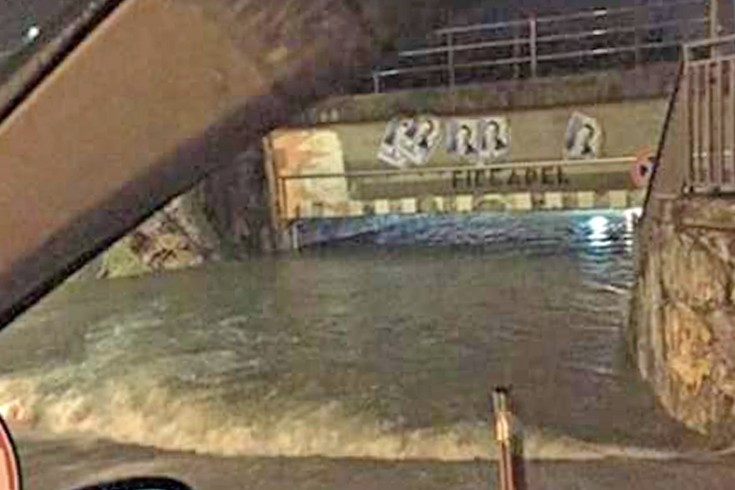 Pontecagnano: allagato il sottopasso di via Torino, massima allerta - aSalerno.it