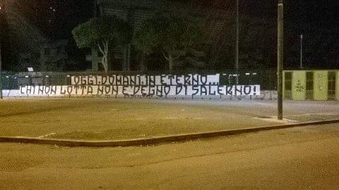 Messaggio chiaro all'Arechi, la Sud vuole 11 leoni – FOTO - aSalerno.it