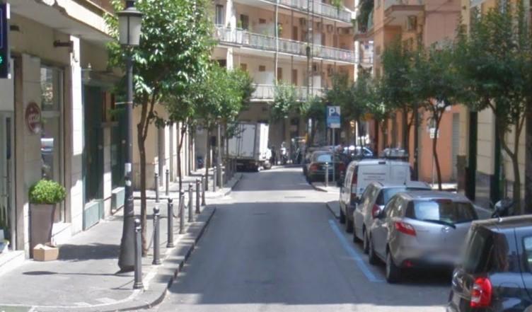 Truffano una anziana in via Manzo, la donna consegna più di 1600 euro - aSalerno.it
