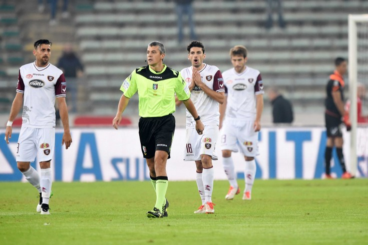 Arbitri e distrazioni in difesa: la Salernitana schiuma rabbia - aSalerno.it