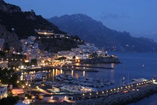 Alla deriva senza carburante, soccorsi 7 beneventani ad Amalfi - aSalerno.it