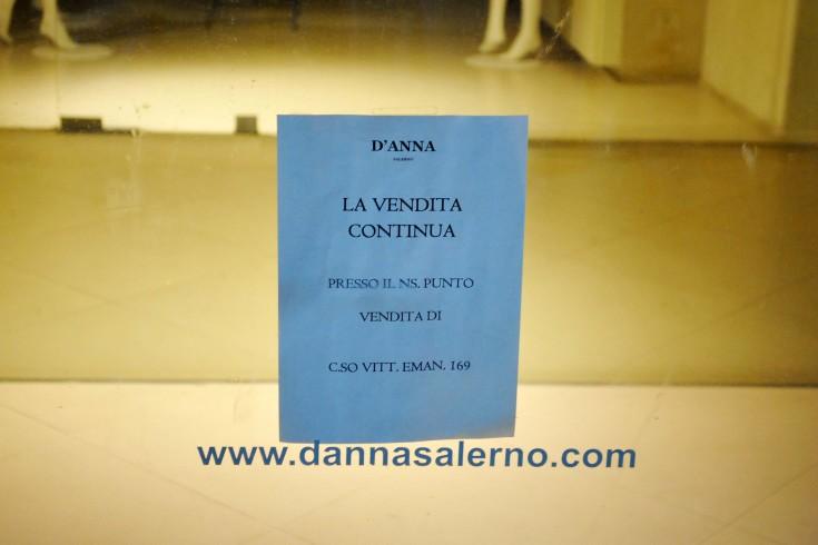 """La crisi economica miete un'altra vittima: sul Corso chiude """"D'Anna"""" - aSalerno.it"""