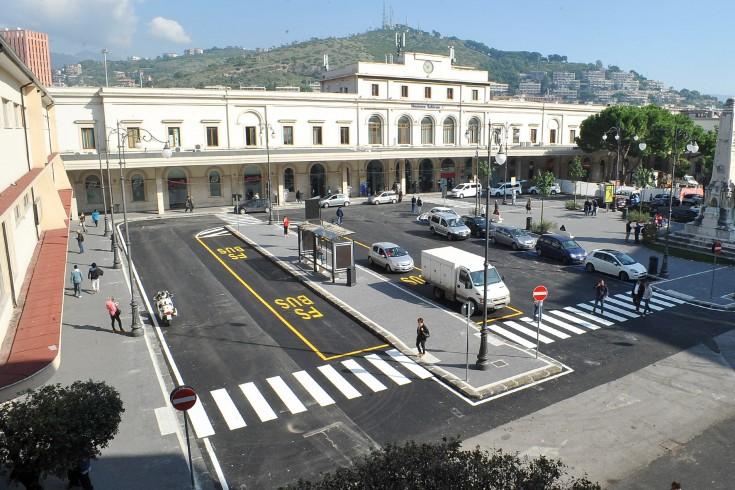 Anziano investito durante l'inaugurazione di Piazza Vittorio Veneto - aSalerno.it