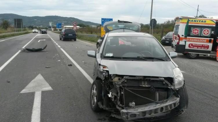 Incidente stradale verso Agropoli, tre persone coinvolte - aSalerno.it