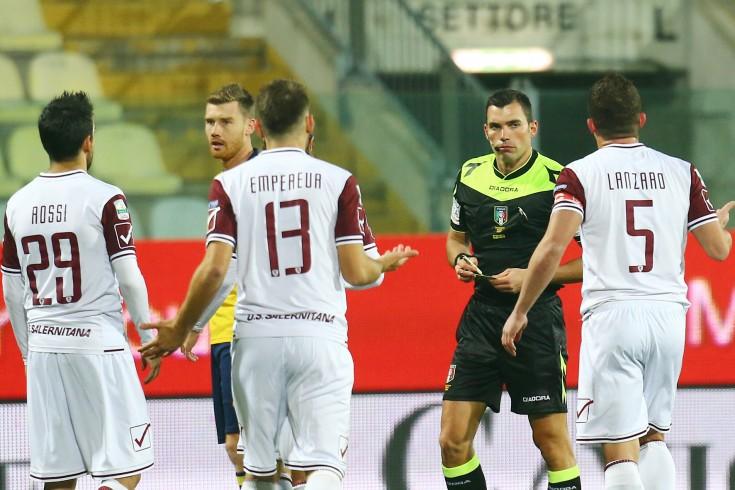 Salernitana sotto di due gol, squadra di casa in vantaggio - aSalerno.it