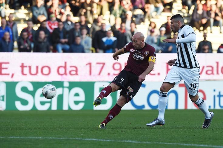 Menichini vara il 3-5-2 con Pestrin in difesa - aSalerno.it