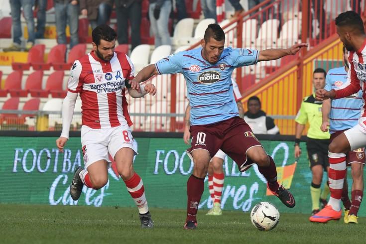 Primo tempo equilibrato, 0 a 0 al Menti - aSalerno.it