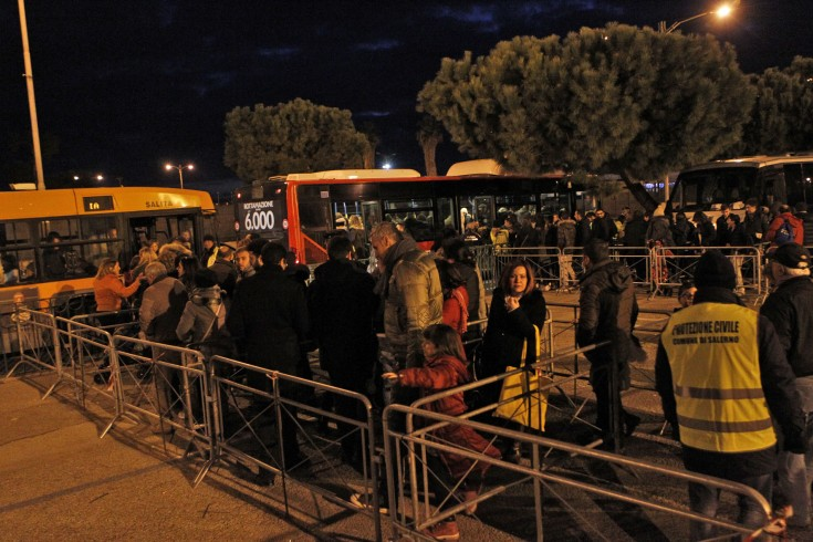Luci d'Artista: raffica di multe lungo via Roma, oggi attesi 250 bus - aSalerno.it