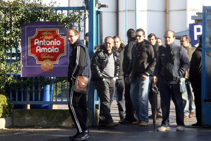 Rabbia degli ex operai Antonio Amato, l'azienda risponde - aSalerno.it