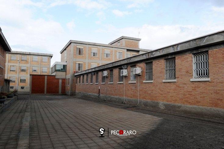 Aggressione in carcere durante la notte di Natale: padre e figlio trasportati in ospedale - aSalerno.it
