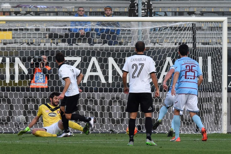 FOTO- Spezia-Salernitana: i granata soffrono, sotto di due gol dubbi - aSalerno.it