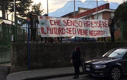 """Istituto """"Filangieri"""" di Cava occupato, blitz delle forze dell'ordine - aSalerno.it"""