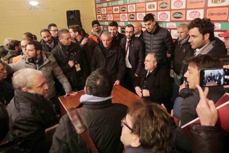 La Salernitana tra silenzio stampa e dietrofront - aSalerno.it