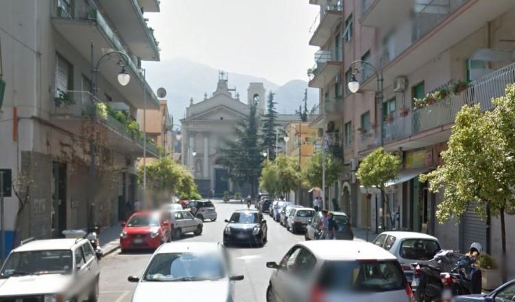 Tragedia a Pagani: 23enne senza vita in casa, la madre precipitata dal balcone - aSalerno.it