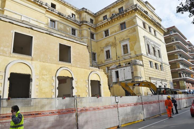 Esposto contro i lavori al palazzo delle Poste - aSalerno.it