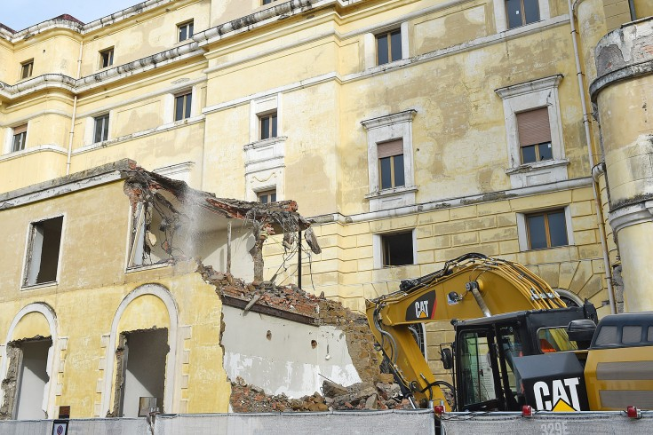 Negozi e appartamenti di lusso, il progetto per il palazzo delle Poste - aSalerno.it