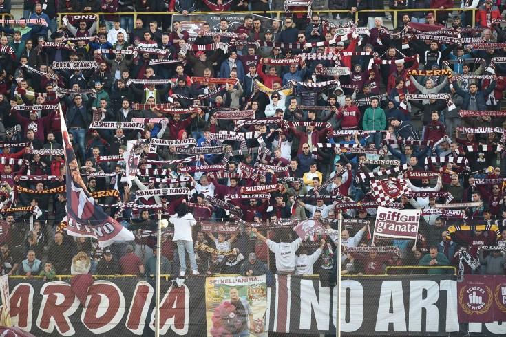 Blitz dei tifosi a Serino, giocatori a colloquio - aSalerno.it