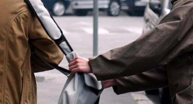 Salerno, scippata la borsa al commissario prefettizio Maria Santorufo - aSalerno.it