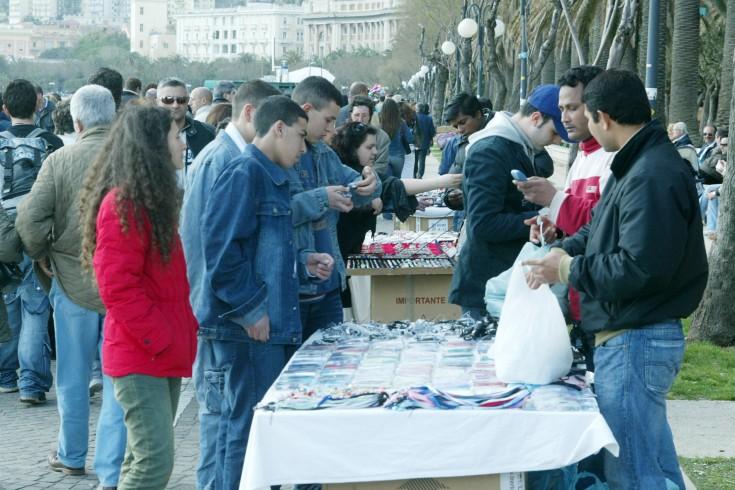 Operazione dei Vigili Urbani, sequestrati oltre 600 merci contraffatte - aSalerno.it