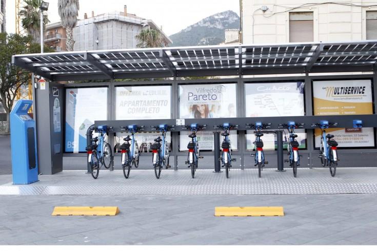 Tentava di rubare batterie alle bici elettriche sul Lungomare, fermato pregiudicato - aSalerno.it