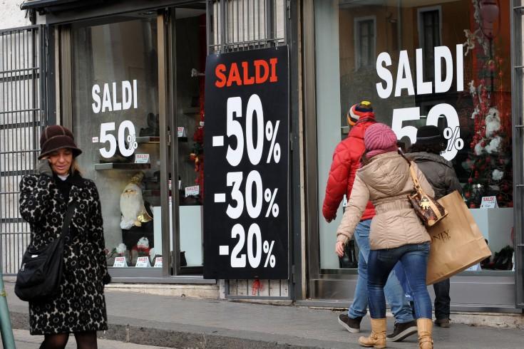 """Iniziano a Salerno i saldi invernali, Confcommercio: """"Spesa inferiore allo scorso anno"""" - aSalerno.it"""