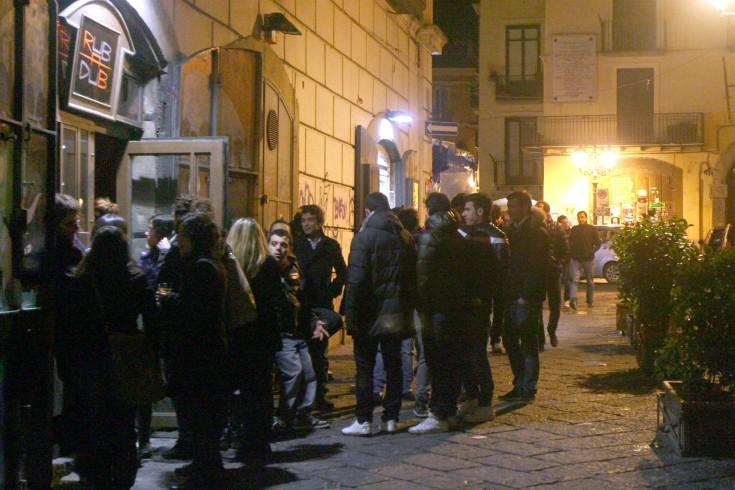 """Movida """"fracassona"""" nel centro storico: musica oltre i limiti - aSalerno.it"""