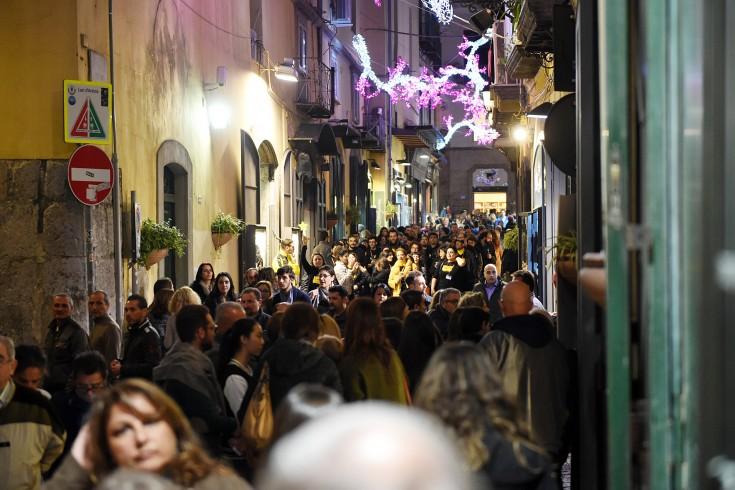 Musica alta e rifiuti, la rabbia dei residenti del centro storico - aSalerno.it