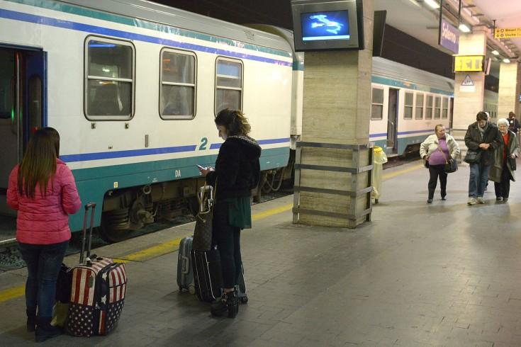 Uomo di 65 anni tenta il suicidio alla Stazione Centrale - aSalerno.it