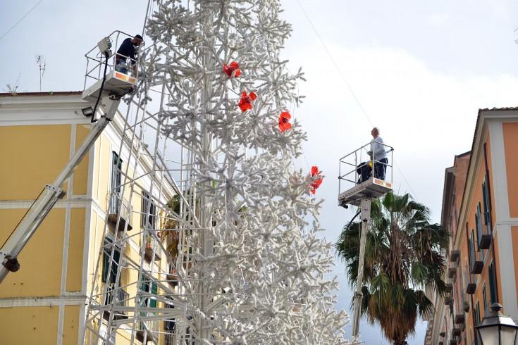 Salerno, al via i lavori di rimozione delle Luci d'Artista - aSalerno.it