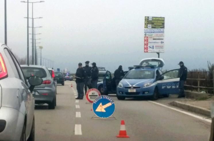 Con l'hashish sul motorino, 17enne non si ferma al posto di blocco: fermato dai poliziotti - aSalerno.it